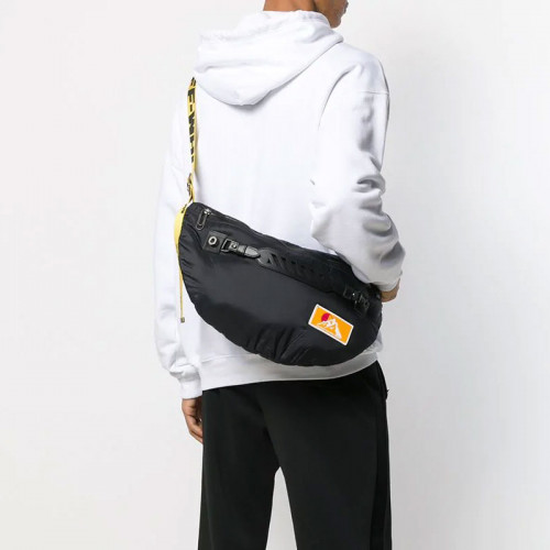 PUFFY MEDIUM BUMBAG BLACK NO COLOR