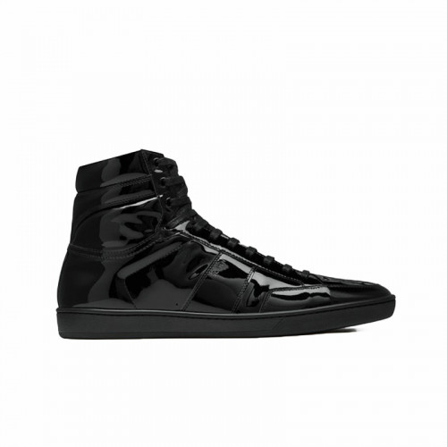 FLAT HEEL LEATHER UPPER RUBBER SOLE SNEAKER